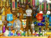 Exposição de lâmpadas tradicionais em Johari Bazaar em Jaipur, Índia Fotos de Stock Royalty Free