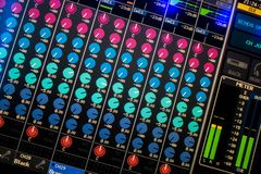 Exposição de mistura audio da mesa de Digitas imagem de stock