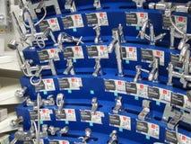 Exposição de torneiras novas. Fotos de Stock