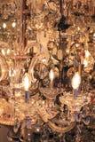 Exposição de vidro bonita do candelabro Fotos de Stock