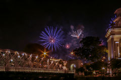 Exposição do fogo de artifício em Singapura fotos de stock
