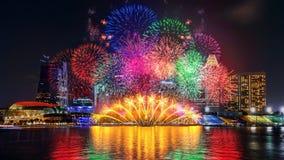 Exposição do fogo de artifício em Singapura foto de stock