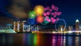 Exposição do fogo de artifício em Singapura imagem de stock