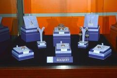 Exposição do International de Garik Gevorkyan Founder X da casa da joia da esteta da coleção do ramalhete de tipos da joia e do r imagens de stock royalty free