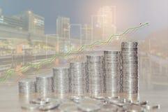 Exposição dobro de pilhas da moeda para o conceito da finança e da operação bancária Imagens de Stock