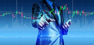 Exposição dobro do homem de negócios com carta do mercado de valores de ação Foto de Stock Royalty Free