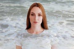Exposição dobro do retrato e do mar do perfil da menina imagens de stock royalty free