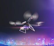 Exposição dobro, voo de controle remoto moderno do zangão do ar com câmera da ação No fundo preto 3d Fotografia de Stock Royalty Free