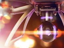 Exposição dobro, voo de controle remoto moderno do zangão do ar com câmera da ação No fundo preto 3d Fotos de Stock