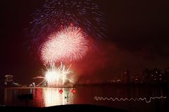 A exposição dos fogos-de-artifício Fotografia de Stock Royalty Free
