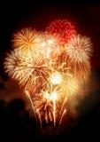 Exposição dourada bonita dos fogos-de-artifício Fotografia de Stock
