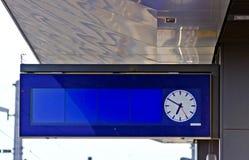 Exposição eletrônica azul da cabeça-acima imagem de stock royalty free