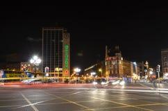 Exposição longa da opinião da rua da ponte de Connell do ` de O na noite em Dublin, Irlanda Imagem de Stock