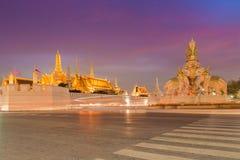 A exposição longa disparou do palácio grande no crepúsculo Fotografia de Stock