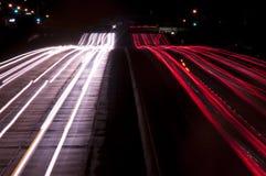 Exposição longa do tráfego da autoestrada em fotografia de stock royalty free