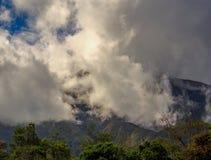 Exposição múltipla das nuvens que rolam para baixo foto de stock royalty free