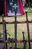 Exposição medieval das armas fotografia de stock