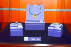 Exposição original do International de Garik Gevorkyan Founder X da casa da joia da esteta da coleção da parte de tipos da joia e imagens de stock royalty free