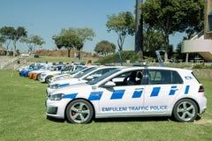 Exposição prolongada do sul - carros de polícia de trânsito africanos foto de stock