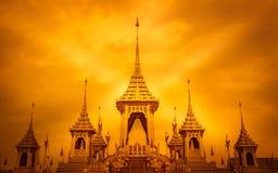 Exposição real da cremação, Sanam Luang, Banguecoque, Tailândia em November7,2017: Crematório real para a cremação real de seu Ma fotos de stock royalty free