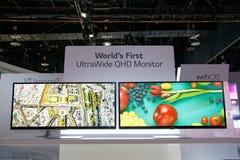 Exposição ultra larga CES 2014 do monitor do LG QHD fotografia de stock