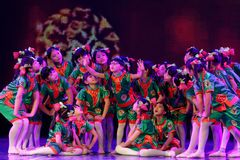 Exposición de enseñanza de clasificación Jiangxi del logro de los niños de la prueba de la academia de la danza de Pekín de los v imágenes de archivo libres de regalías