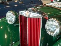 Exposición de la antigüedad y de los coches de deportes Foto de archivo libre de regalías