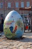Exposición de los huevos de Pascua grandes Imágenes de archivo libres de regalías