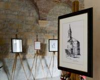 Exposición de pinturas en la abadía Románica de Villanova Fotografía de archivo
