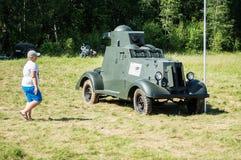 Exposición del equipo militar del vintage en la región de Kaluga en Rusia el 26 de junio de 2016 Foto de archivo libre de regalías