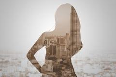 Exposición doble de la mujer y del paisaje urbano Fotografía de archivo