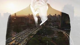 Exposición doble del hombre de negocios anónimo pensativo metrajes
