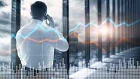 Exposición doble financiera de la pantalla virtual del gráfico del concepto de la inversión de comercio del negocio fotografía de archivo