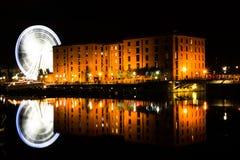 Exposición larga de la rueda de Liverpool Imagenes de archivo