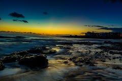 Exposición larga del smoth del agua sedosa del océano imagen de archivo