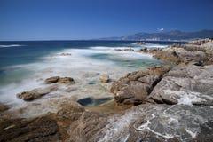 Exposición larga en la costa Imagen de archivo libre de regalías