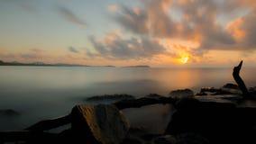 Exposición larga en la salida del sol Fotos de archivo
