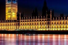 Exposición larga tirada de Westminster y del río Támesis Fotografía de archivo