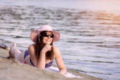 Exposition au soleil sur la plage photographie stock libre de droits