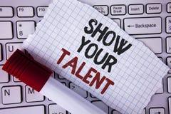 Exposition conceptuelle d'apparence d'écriture de main votre talent Le texte de photo d'affaires démontrent le wr personnel d'apt Images stock