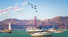 Exposition d'Avia d'anges bleus au-dessus de San Francisco Bay Images stock
