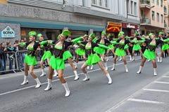 Exposition d'une manière amusante de carnaval avec le majorette San Remo 2011 Photographie stock libre de droits