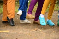 Exposition de chaussures de couleur photo stock