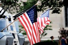 Exposition de drapeau américain sur la 4ème du défilé de juillet Photographie stock
