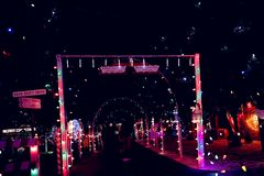 Exposition de lumière de village de Noël Photographie stock libre de droits