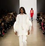 Exposition de piste de Zang Toi FW19 en tant qu'élément là de Fashion Week de New-York photo libre de droits