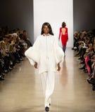 Exposition de piste de Zang Toi FW19 en tant qu'élément là de Fashion Week de New-York photographie stock libre de droits
