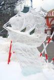 Exposition de sculpture en glace sur le grand dos rouge Photo libre de droits