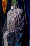 Exposition des costumes et des appui verticaux du ` The Game de film du ` de trônes dans les lieux du musée maritime de Barcelone Photos stock