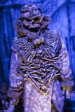 Exposition des costumes et des appui verticaux du ` The Game de film du ` de trônes dans les lieux du musée maritime de Barcelone Images stock